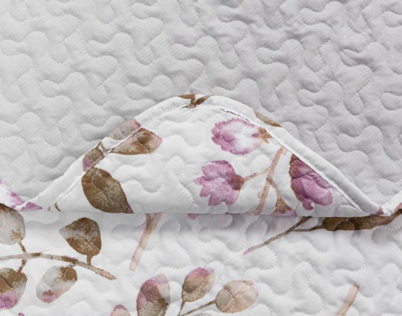 Close up of Ashgrove Coverlet Set seams.