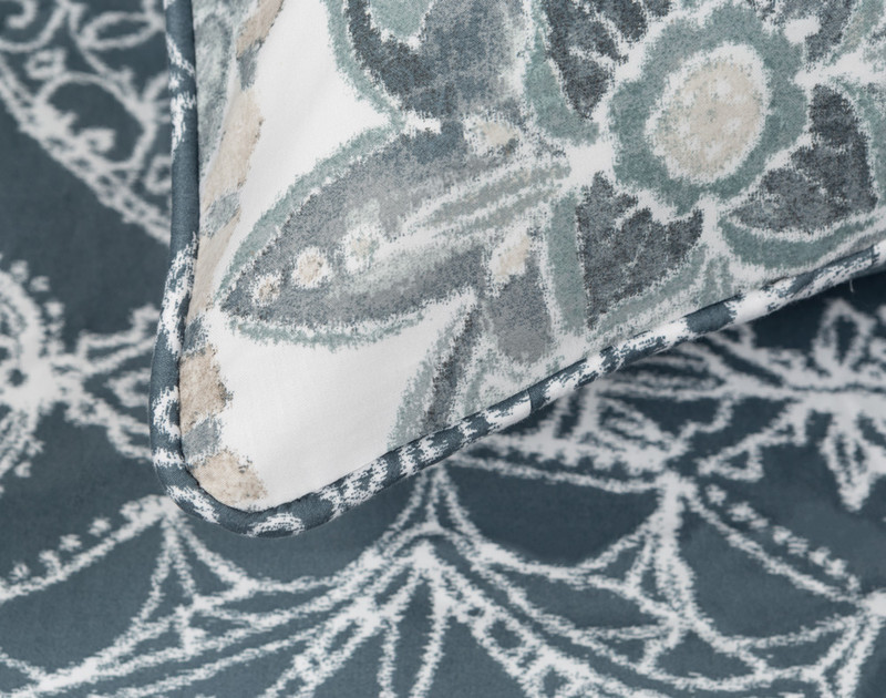 Sonesta Pillow Sham piping detail