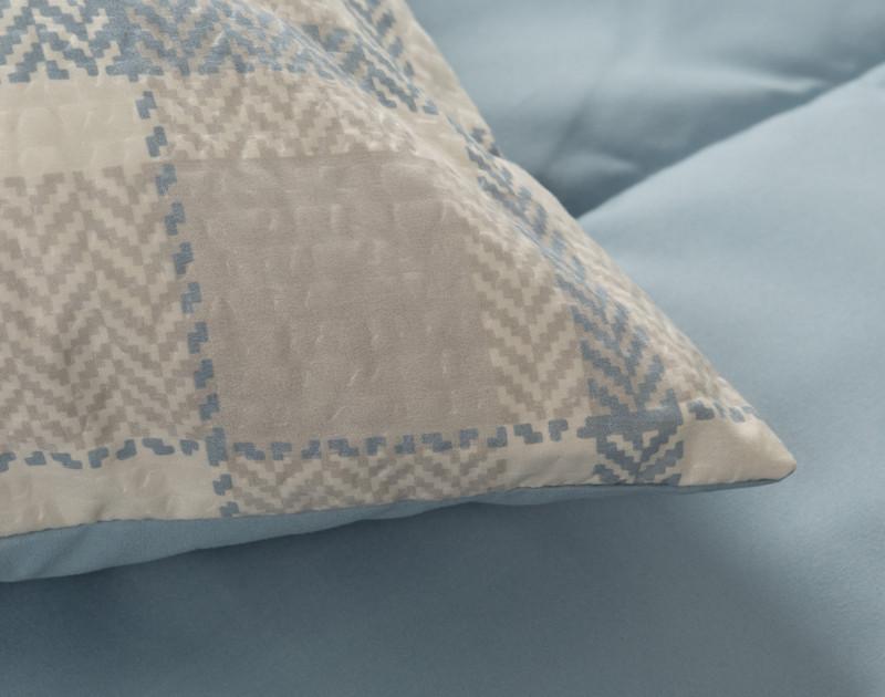 Townsend pillow sham detail
