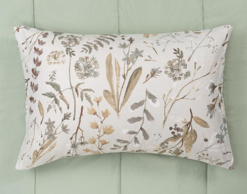 Shawnigan comforter set, top view of pillowcase.
