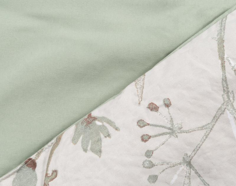 Shawnigan comforter set, detail of front against reverse.