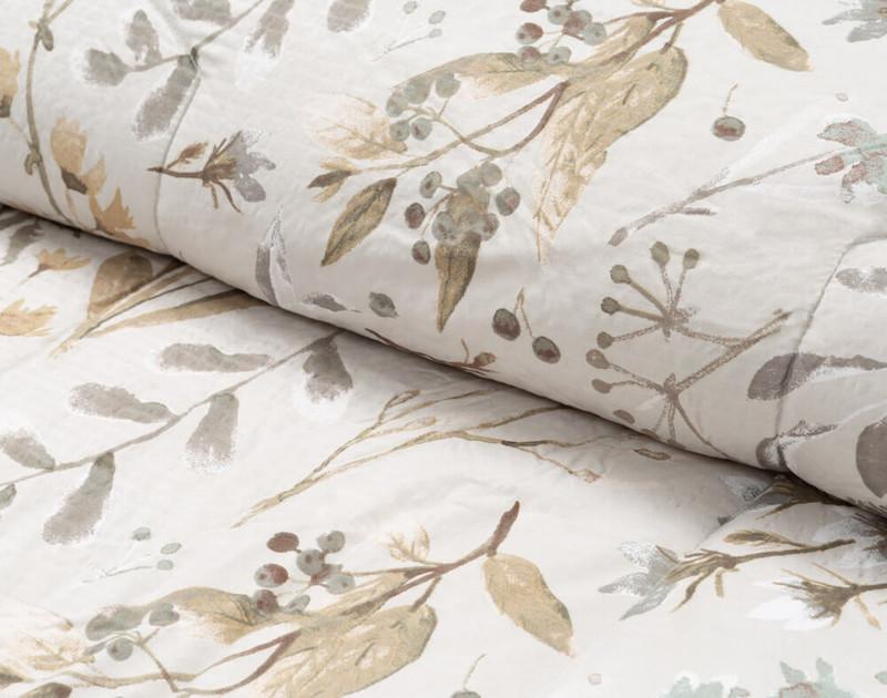 Shawnigan comforter set, detail of fold.