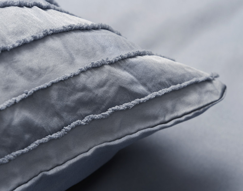 Maran Denim pillow sham detail