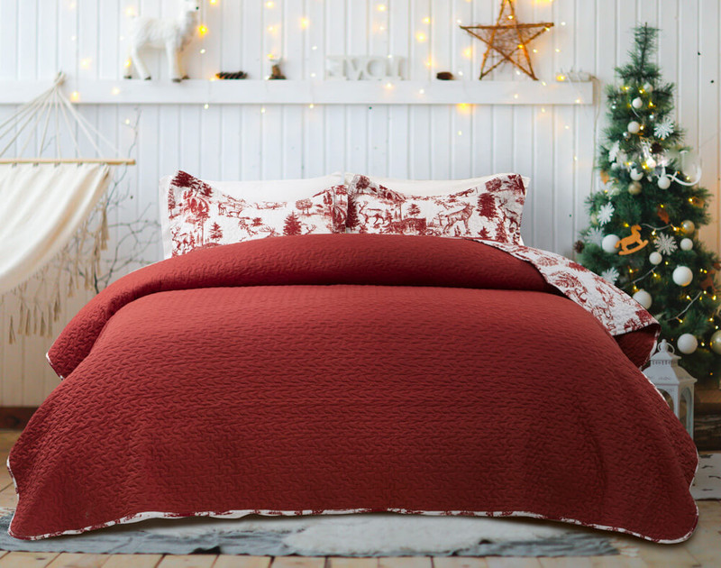 Reverse of the Huntsman Coverlet Set features a solid deep red.