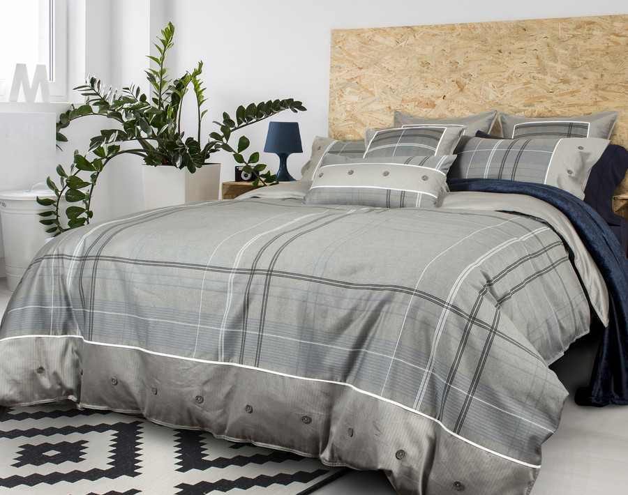 Renzo Duvet Cover side view