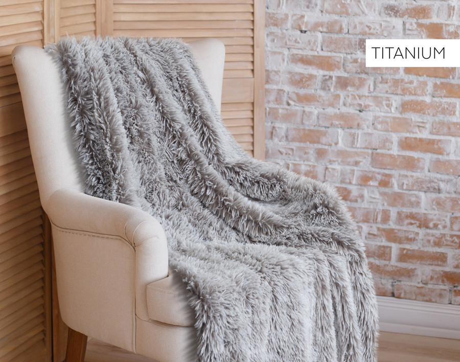 Frosted Shaggy Throw in Titanium Light Grey