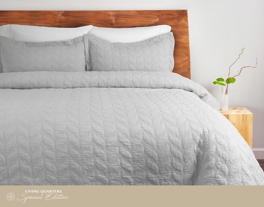 Riverglade Sand Washed Coverlet Set in Silver.