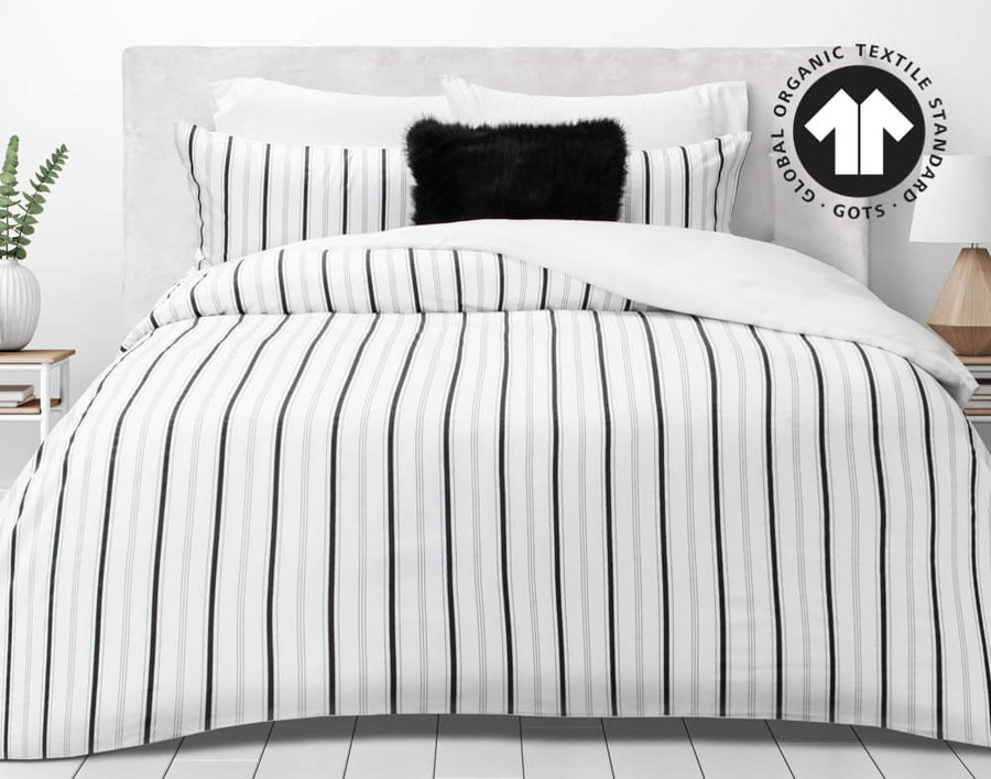 300TC Organic Cotton Duvet Cover Set in Lineas features a minimalistic design consisting of black and white.