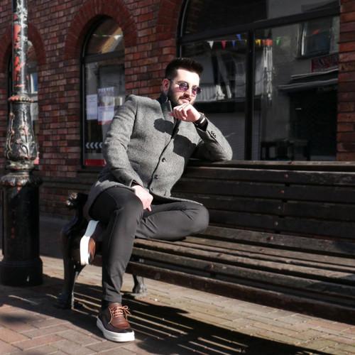 Grey herringbone slim fit coat on model - Pamoni