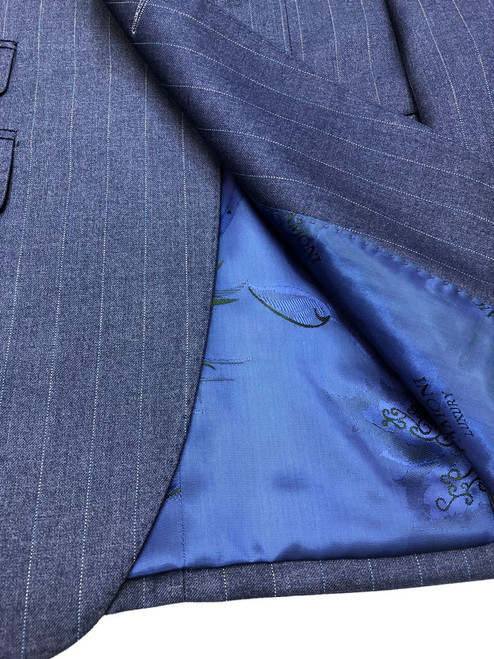 Zoomed in poly-viscose, wool blend material - Pamoni