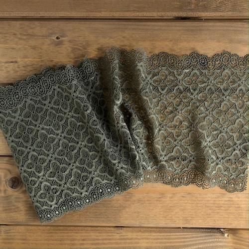 Sage Squares 19 cm Stretch Lace