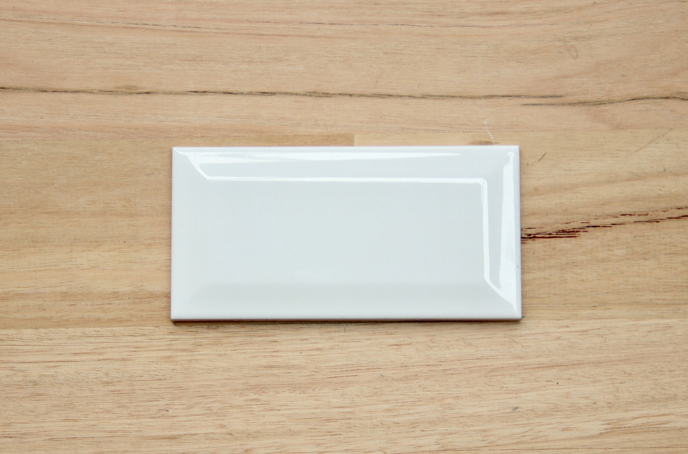 150x75mm Gloss White Bevel Edge Wall Tile