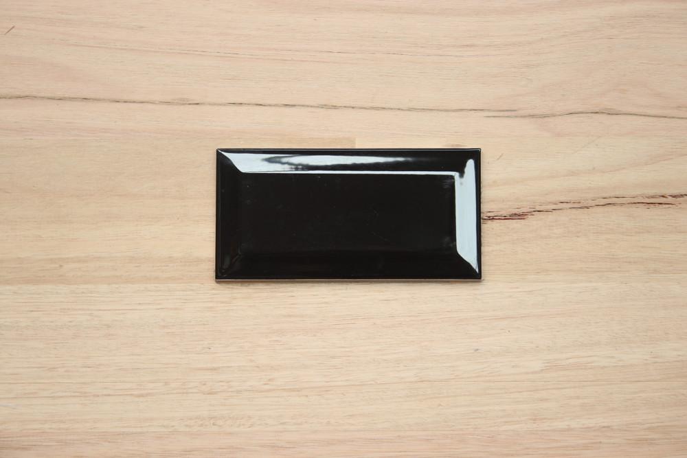 150x75mm Black Gloss Bevel Edge Wall Tile