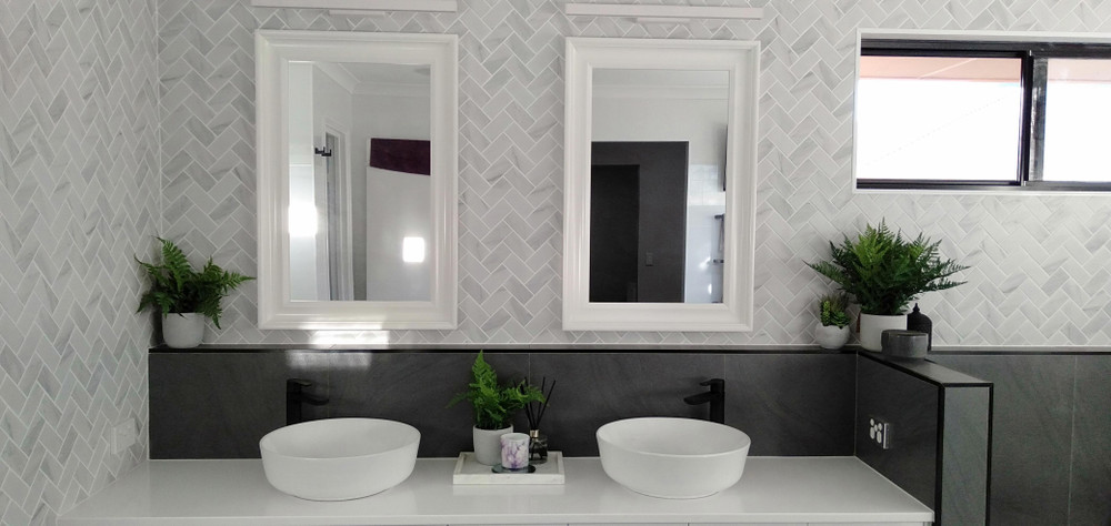 Carrara Porcelain Herringbone Tile 95x45mm