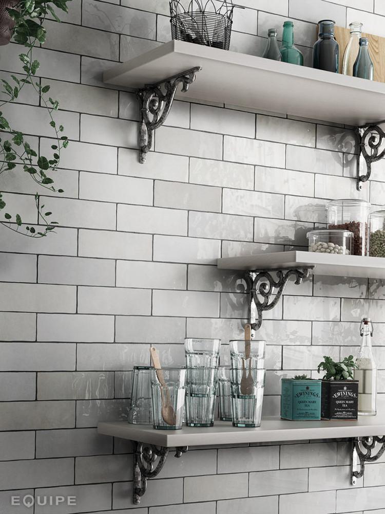 Onda White Handmade Style Gloss Wall Tile 200x65mm