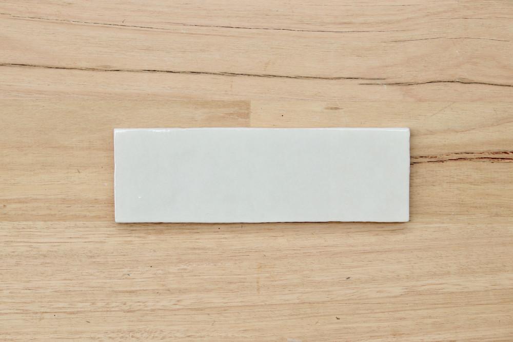 Onda White 200x65mm Subway Tile