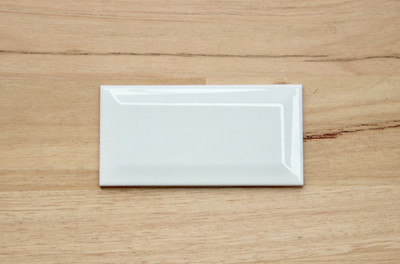 150x75mm Gloss White Bevel Edge Wall Tile