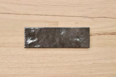 Onda Carbon  Gloss Subway Tile 200x65mm