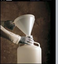 2.1L Plastic Large Funnel, Stem OD: 2.1cm to 5.1cm, Stem Length: 8.8cm