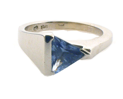 14k wg with blue spinel stone. size 7.25