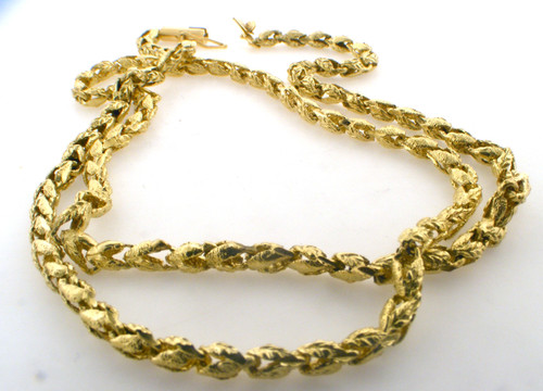 14 karat yellow gold link necklace weighing 15.5 grams. Length is 18.5 inches