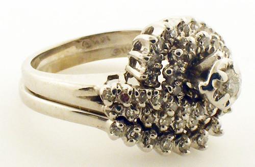 14K white gold diamond wedding set.  Weighs 6.2 grams.  Dia.-.50ct. tw.