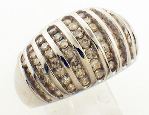 10kt white gold diamond ring sz: 9.5 weighing 8.6 grams diamonds 63~1.00ct