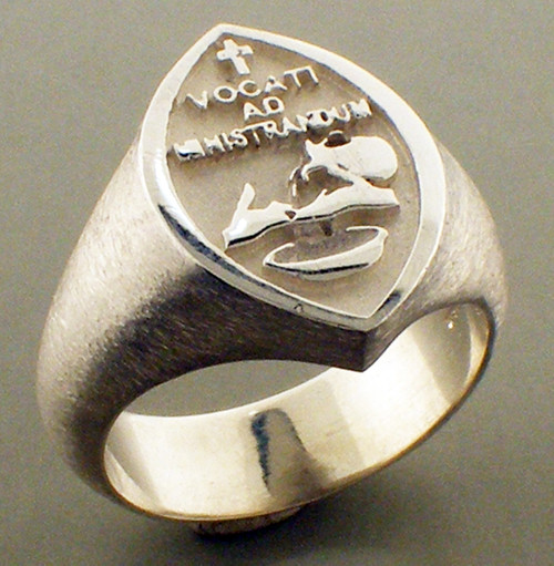 Small adjutants ring. 19x14mm and weighs 12.6 grams in sterling silver. Gospel according to Ellis collection