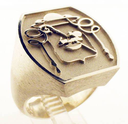 Overseer ring: servant. 23x21mm. Weighs 25.6 grams in sterling silver. Gospel According ro Ellis Collection