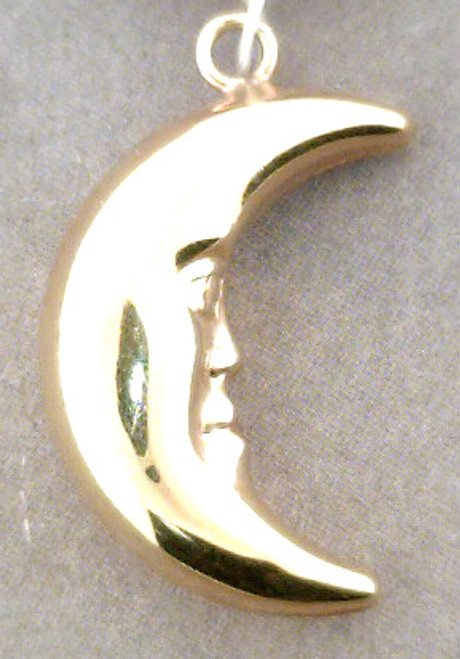 14 karat yellow gold Moon charm weighing 2.1 grams