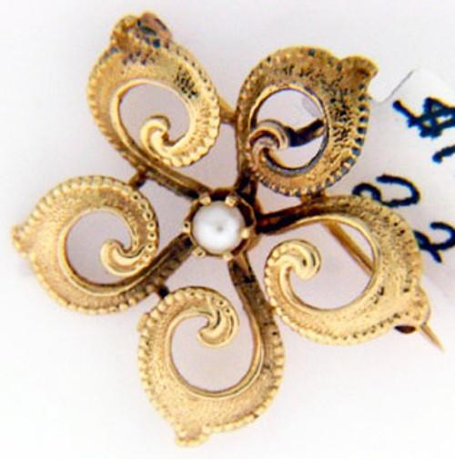 14 karat yellow gold pearl pin weighing 3.3 grams