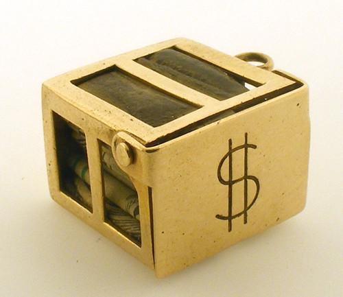 14 karat yellow gold box charm weighing 3.8 grams.