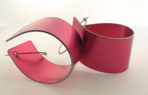 John Klar Pink looping earrings. The total weight of the earrings is 6.2 grams. Original price $37.50 - 40% = $22.5