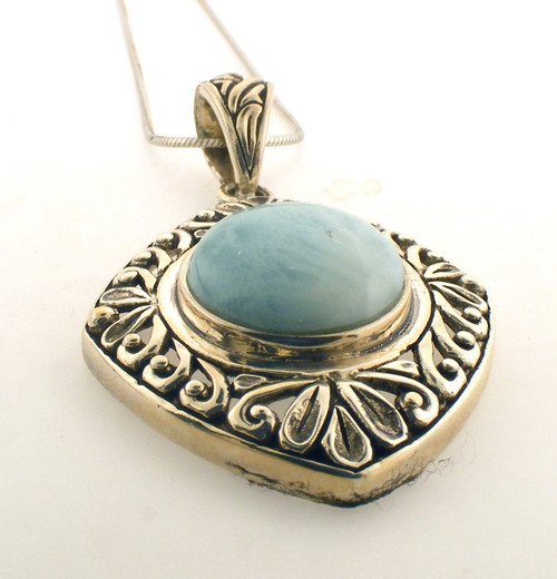 Sterling silver and larimar necklace. The total weight of the necklace is 14.3 grams and is 18 inches in length