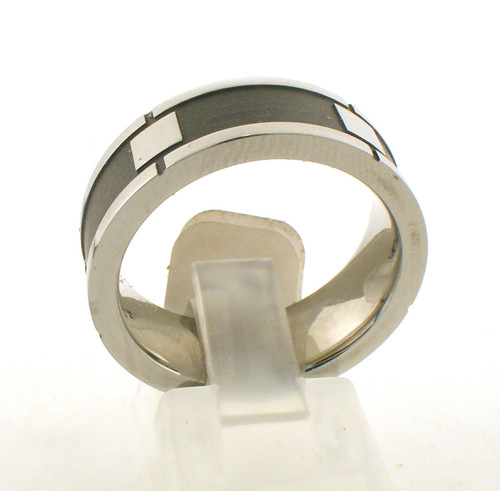 Cobalt chrome wedding ring. The total weight of the ring is 10.5 grams and is made for a finger size of 9.