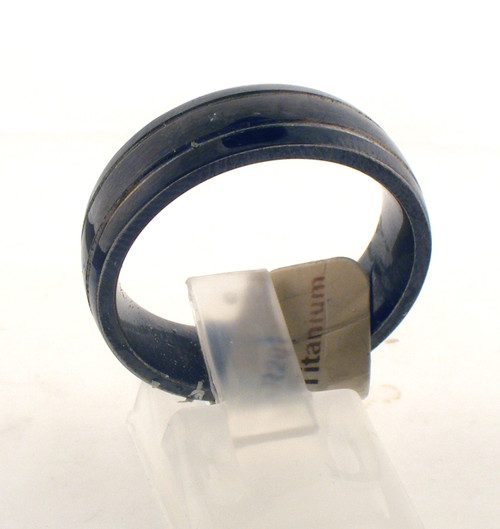 Black titanium wedding ring. The total weight of the ring is 5.4 grams and is made for a finger size of 10.