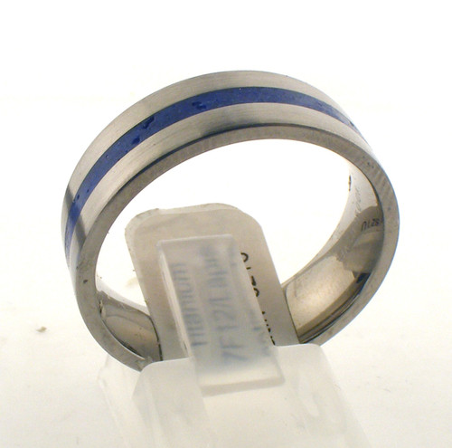 Titanium and lapis satin wedding band. The total weight of the ring is 3.5 grams and is made for a finger size of 10.