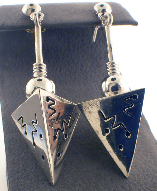 Sterling silver triangle earrings with engraved designs. The total weight of the earrings are 10.8 grams.
