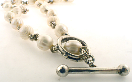 Sterling silver and pearl Stephen Dweck necklace. The total weight of the bracelet is 49.6 grams