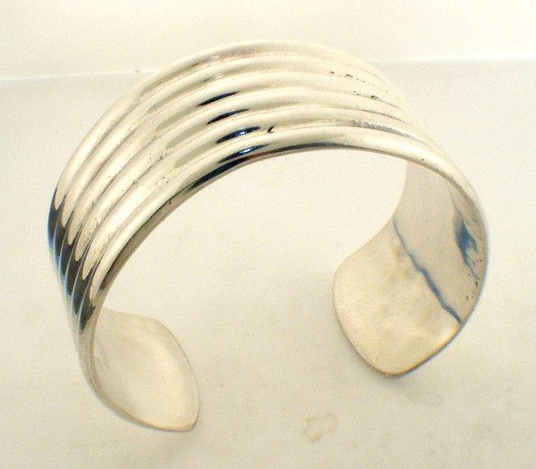 wide sterling silver bangle bracelet cuff weighing 40.8 grams