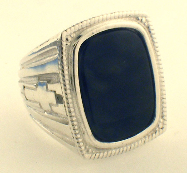 Sterling Silver Black onys ring weighing 37.0 grams. Specify finger sizse in comments.