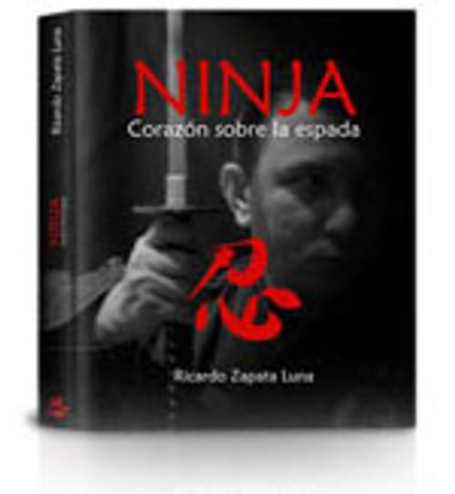 NINJA CORAZON SOBRE LA ESPADA