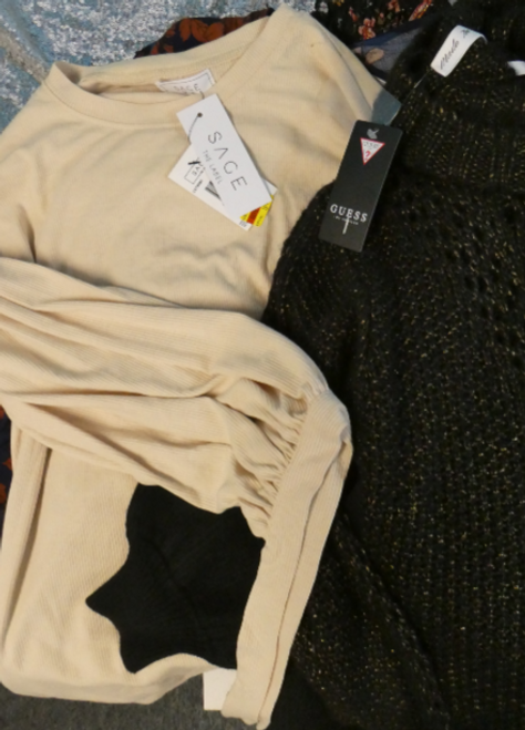 10pc $840 in GUESS Sage JOS A Sweaters & Tops #16463mi (h-1-2)