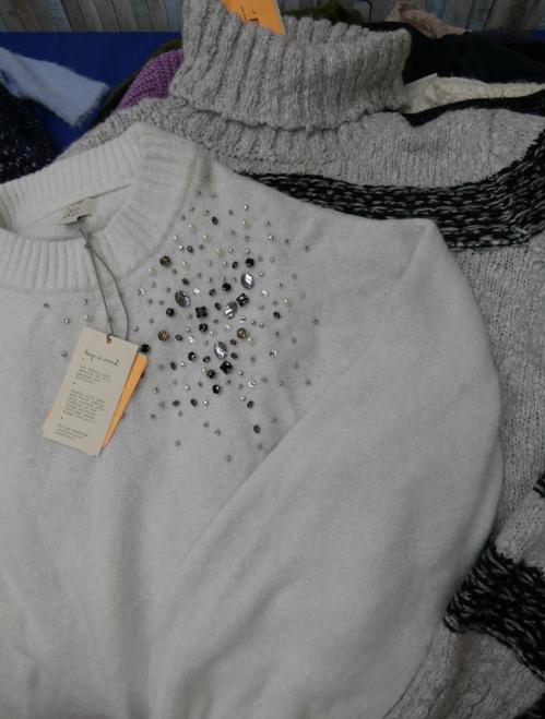21pc Juniors Designer Sweaters #17034Y (k-1-7)