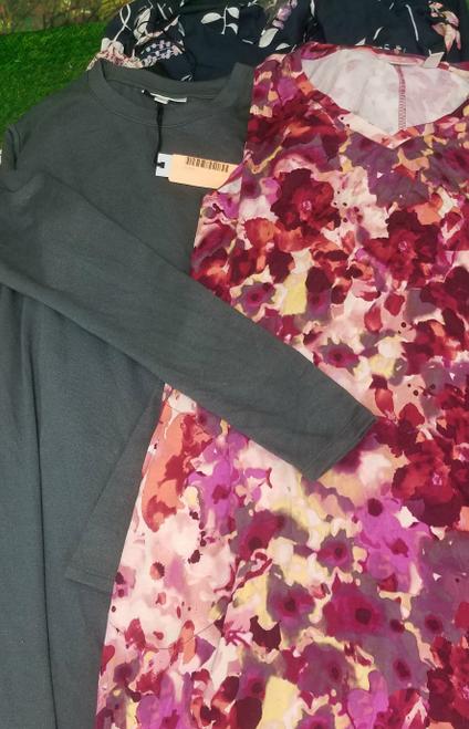13pc $1,385 in Designer DRESSES Most PLUS #17542E (V-3-1)