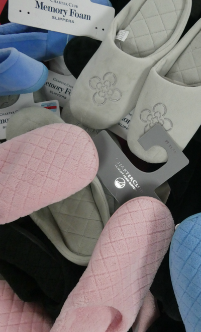36 PAIRS Designer MEMORY FOAM Slippers #17888R (G-4-1)