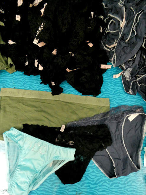 30pc VS Panties - 4 Styles!! DUPLICATES #19546Q (C-1-1)