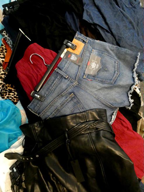 34pc Shorts & Skirts LEVI BLANKNYC DKNY inc #19609w ()