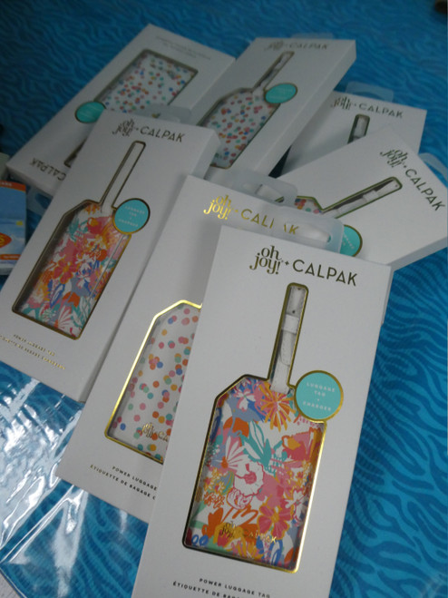 9pc CALPAK Boxed Luggage Tag CHARGERS & More  #19619x ()