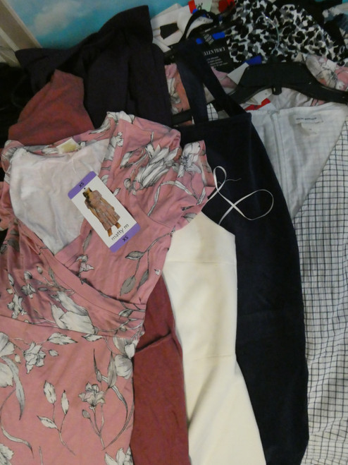 30pc Womens Dresses & Rompers #20053H (L-4-3)